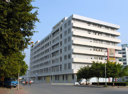 建筑面积2万平方米汽车实训大楼